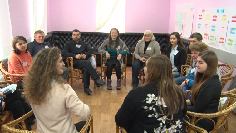 Першу в області групу патронатних батьків навчають у Житомирі