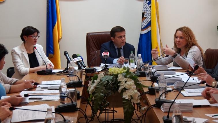 Члени виконкому Житомирської міськради обговорили майбутні святкові заходи