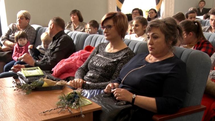 У міській раді жінкам влаштували свято