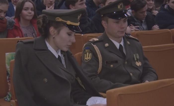 Представники військових вишів агітували житомирських старшокласників до вступу