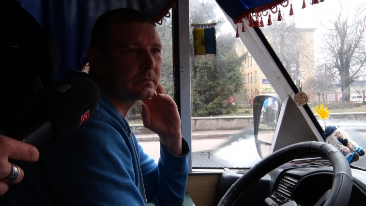 Водії маршрутних таксі не знають скільки пасажирів возять, а перевізники кажуть, що облік є