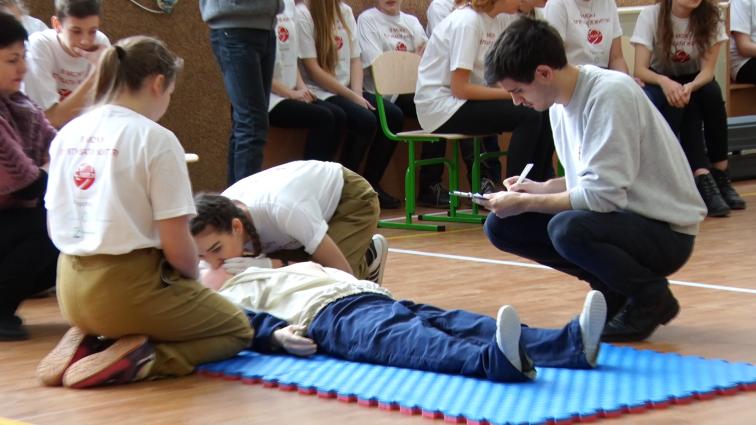 Житомирські старшокласники  вчились надавати домедичну допомогу