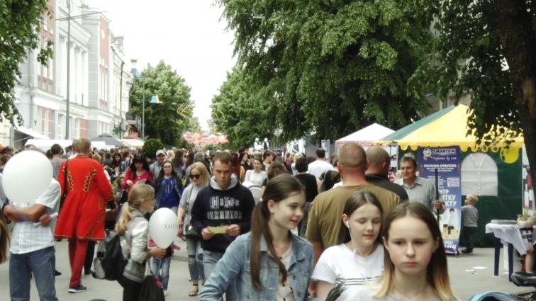 Підприємства Житомирщини шукали працівників на ярмарку вакансій