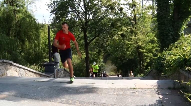 У Житомирі провели забіг парковими сходами
