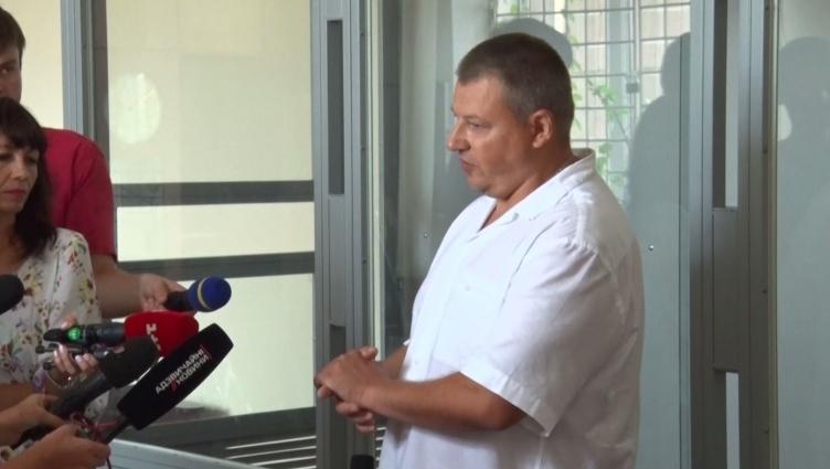 У готелі неподалік Житомира затримали чоловіка, який зберігав у кімнаті зброю