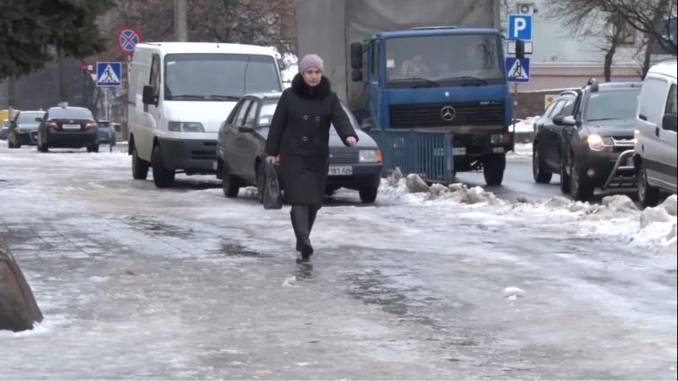 За неприбрані тротуари розриватимуть договори з приватними ВЖРЕПами