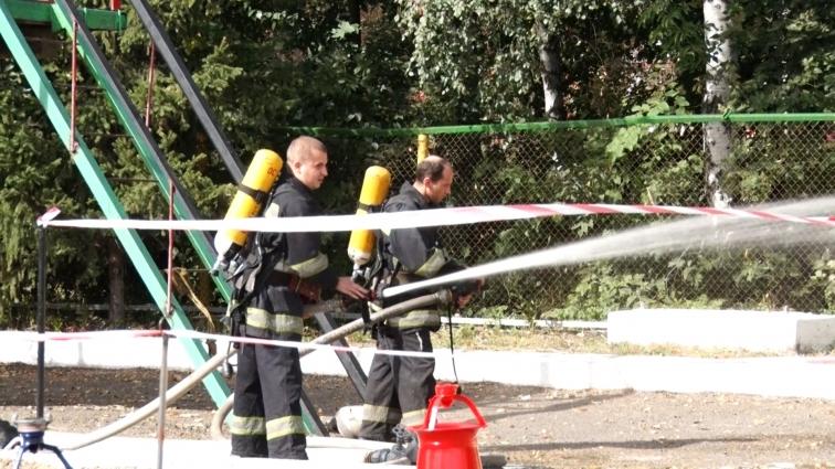 На День рятівника житомирські пожежні влаштували змагання